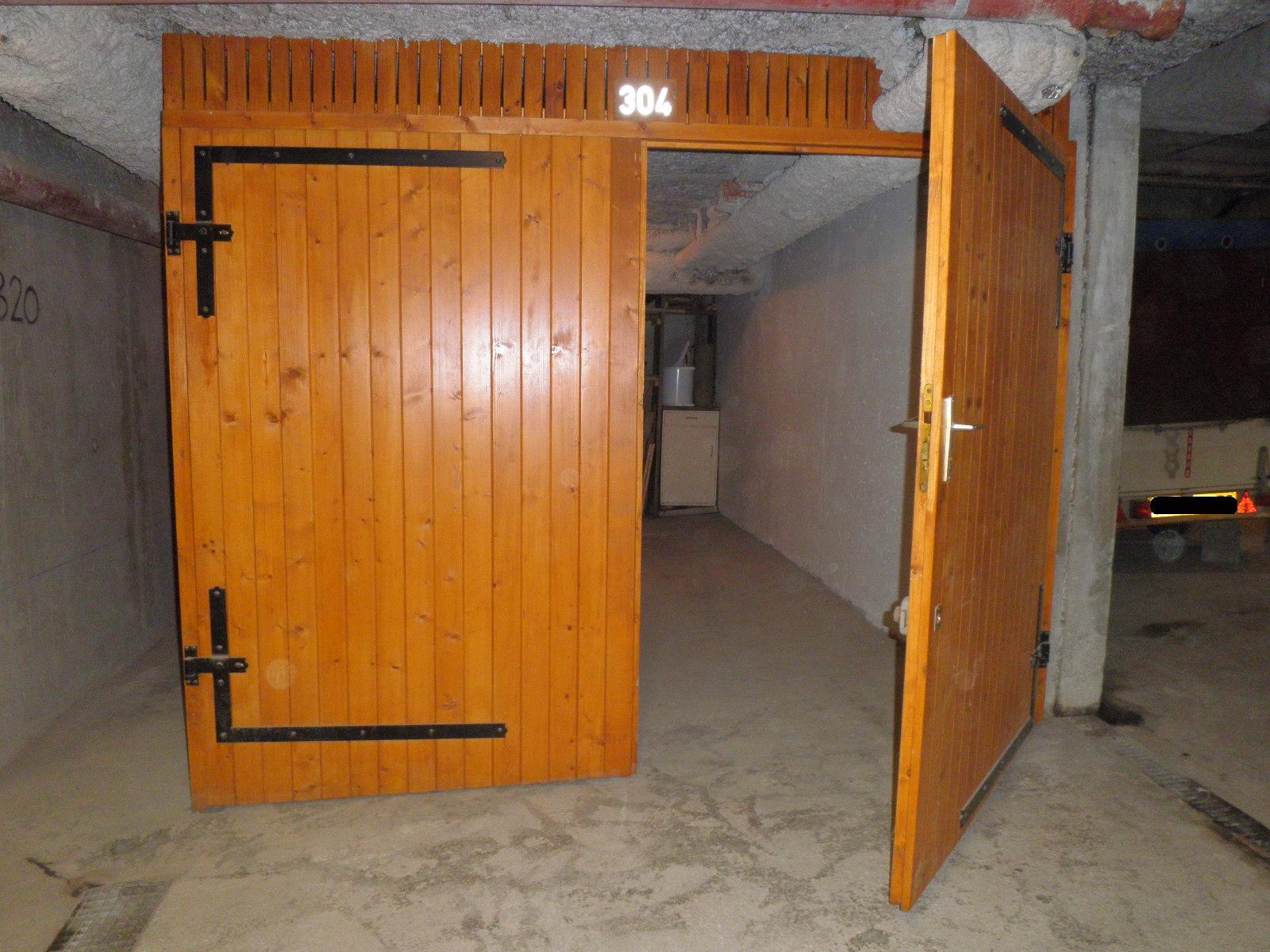 Garage fermé (H : 2m sur L : 2,65m)